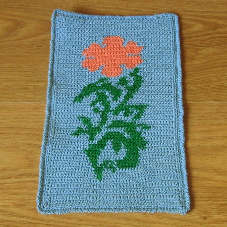 Crochet_tapestry_-_ca_poppy_mat_full_sq_3658_912w_96