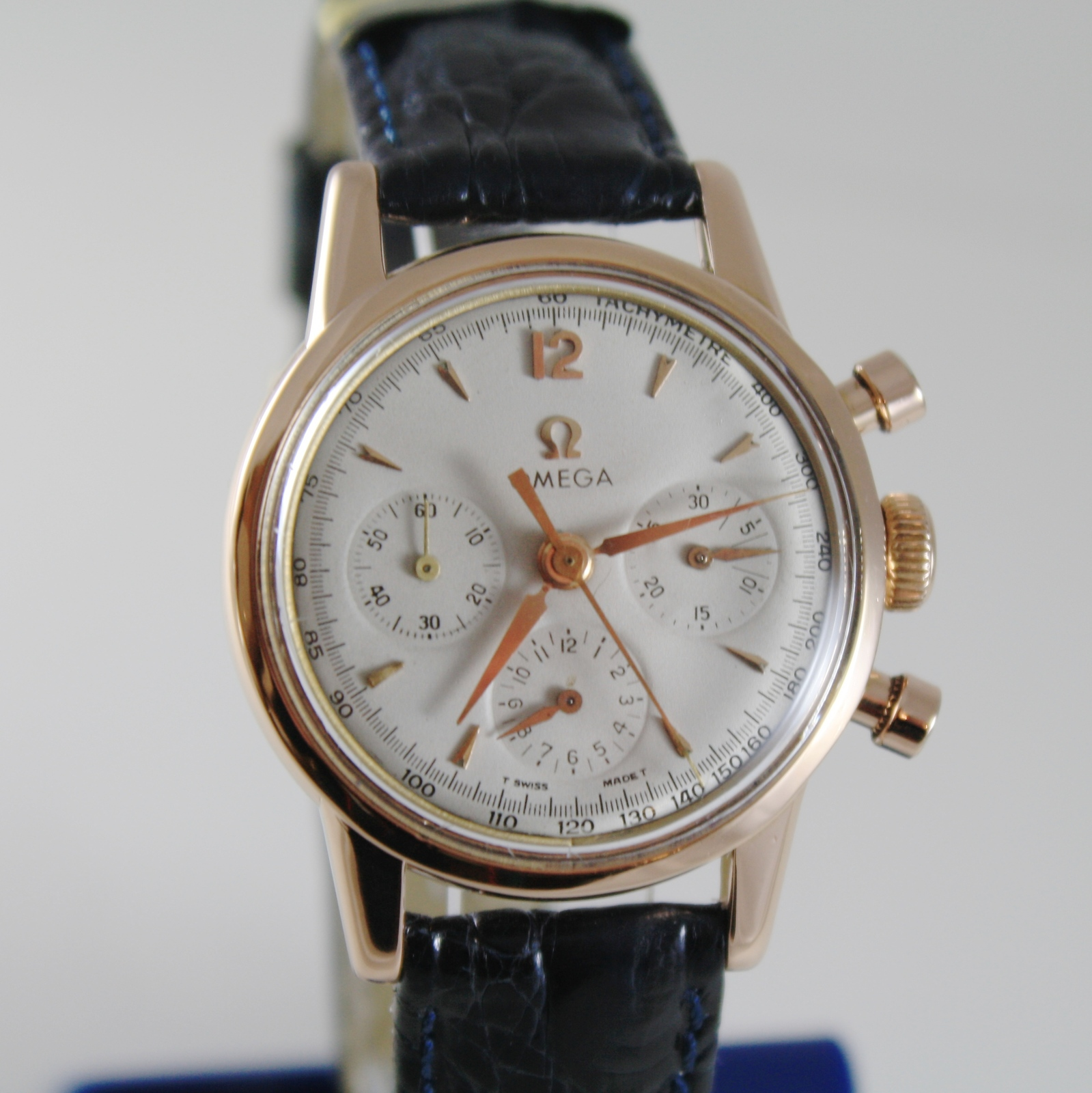 VERY RARE OMEGA 2451 WATCH 18k SOLID ROSE GOLD 321 MOVEMENT CHRONOGRAPH SWISS