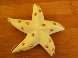 Vintage Dancing Starfish Brooch. Nautical Brooch. Beach Jewelry. - $25.00