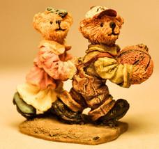 Boyds Town Village - Becky & Huck - Miniature Figure - $9.85