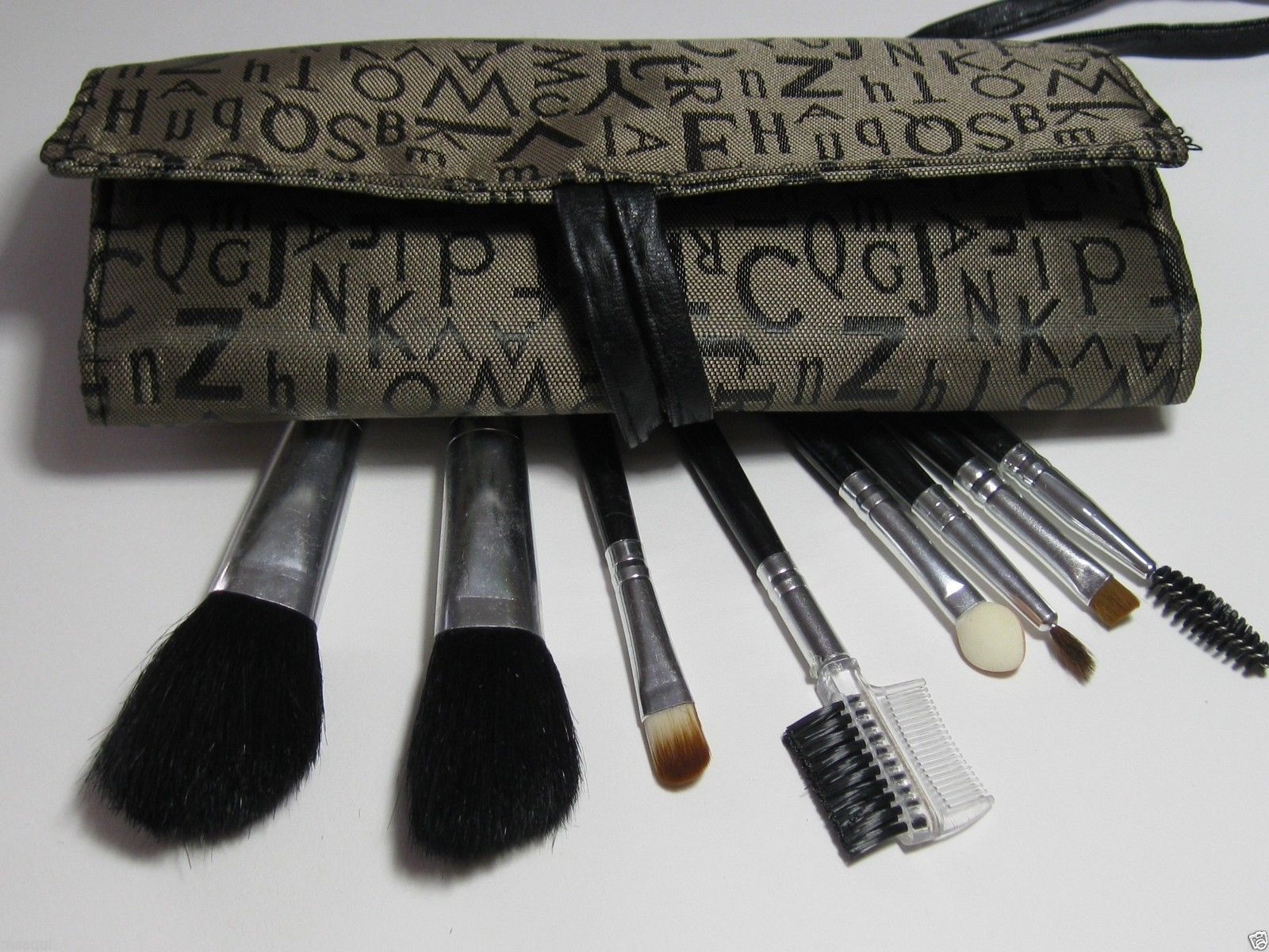 Makeup Artist Travel Size Cosmetics Brush Set