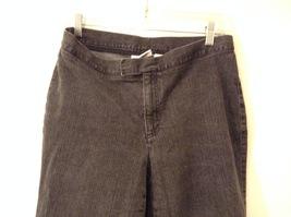 Liz Claiborne Dark Gray Jeans Capri Pants, size 12 Petite image 3