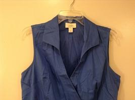 Ann Taylor LOFT Blue Sleeveless V-neck Cotton Blouse Top, size 12, shape fit image 3