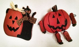 Set of Two Halloween Pins Black Cat and Jack-o-lantern Pumpkin Hand pain... - $8.86