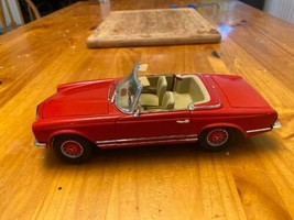 1/18 scale die cast model ANSON Mercedes Benz 280 SL convertible red image 1