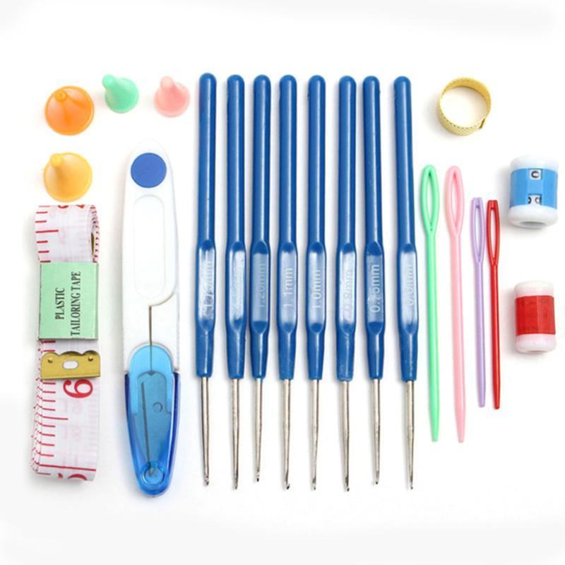 Set of 16 Crochet Hooks With Comfort Grips, With Assorted Accessories and Carryi