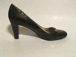 "Bandolino Womens Black Leather Slip On Dress Shoes 2.5"" Heels sz 8.5M - $23.38"