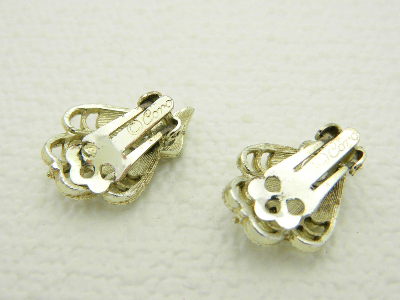 VTG CORO Signed Gold Tone Art Deco Nouveau Style Fan Clam Shape Clip Earrings