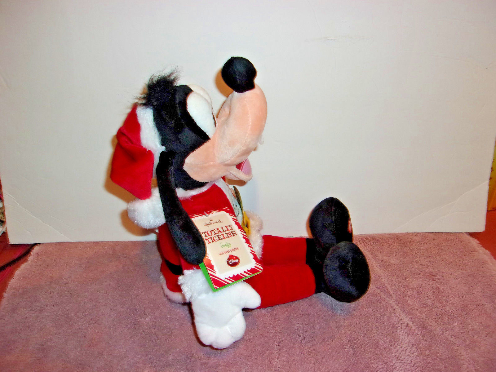DISNEY Hallmark Christmas Totally Ticklish Goofy Sound & Motion NEW WITH TAGS  image 2