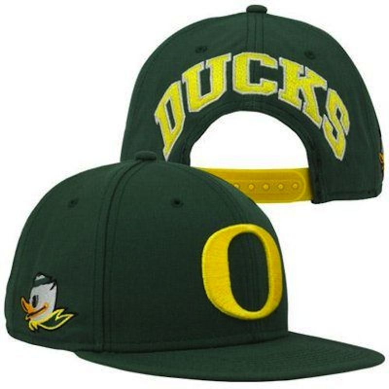 Primary image for Nike Oregon Ducks Player's True Snapback Hat - Green