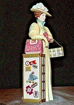 Miss Albee Award Figurine with Box AA20-2156 Vintage image 1