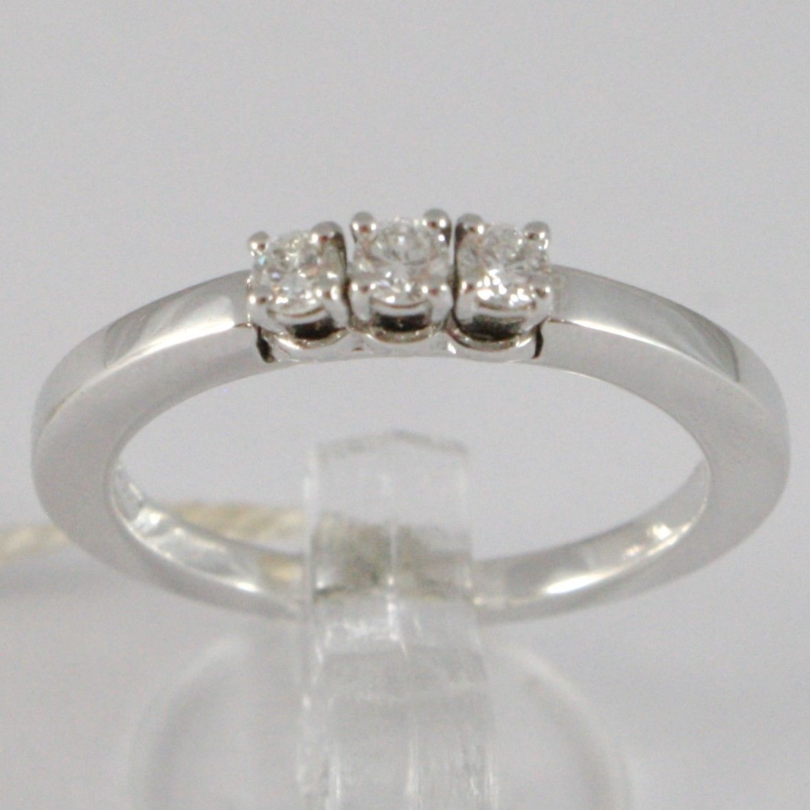 WHITE GOLD RING 750 18K, TRILOGY 3 DIAMONDS CARAT TOTAL 0.18, STEM SQUARE