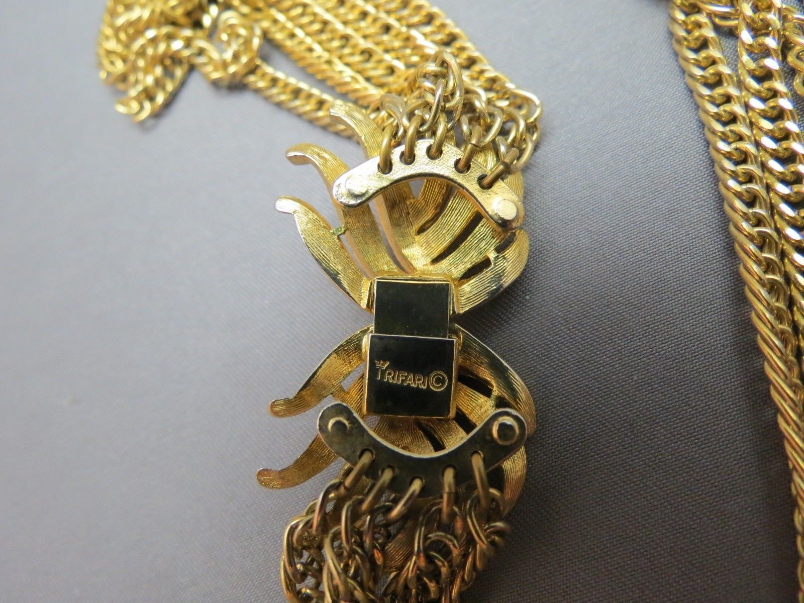 VTG Couture Trifari Necklace Mult Chain Gold Plated Designer Fancy Leaf Catch image 4
