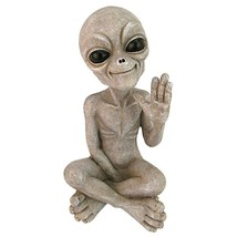 Design Toscano Greetings Earthlings UFO Alien Statue 8.5 Inches Tall - €41,50 EUR