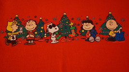 Peanuts Christmas, EXCELLENT CONDITION, Small Mens T-Shirt - $8.95