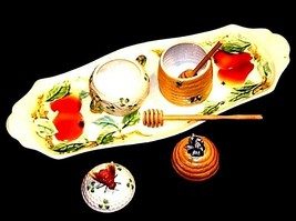 Bread and Cheese Platter with two Honey Combs with Stir Sticks AA18-1309 Vintage image 2