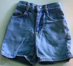 Lee shorts size 8 slim waist is 20 inches - $4.95