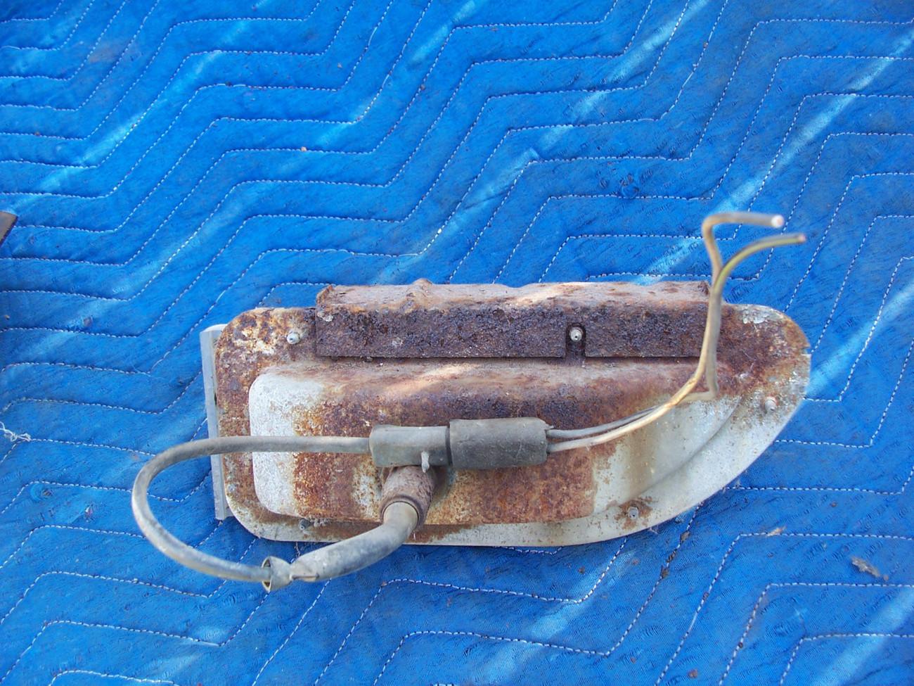 1968  THUNDERBIRD front RIGHT MARKER SIGNAL LIGHT CRACKED OEM USED ORIGINAL FORD