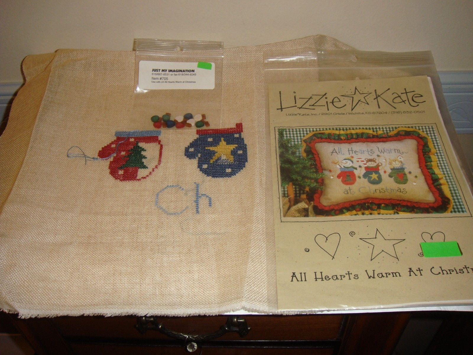 Lizzie Kate Cross Stitch All Hearts Warm At Christmas #61 Plus Fabric & Buttons