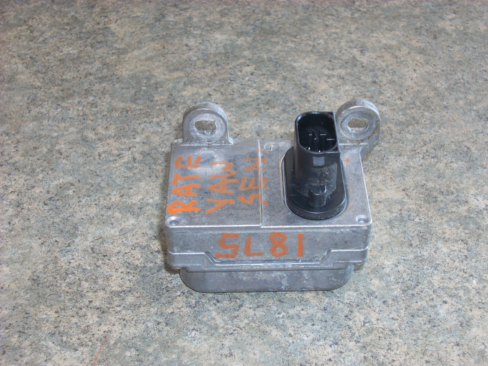 2005 MERCEDES CLK500 YAW RATE SENSOR  A0045420418
