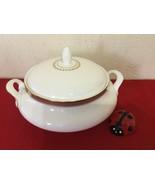 ROYAL DOULTON CLARENDON H4993 Round Covered Vegetable Serving Bowl - $120.00