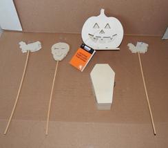 "Halloween Wooden Craft Lot Lighted Pumpkin Pokes 5"" Coffin Box Bats Skul... - $17.15 CAD"