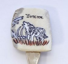 Collector Souvenir Spoon Canada Yukon Howling Wolf Painted Bone - $14.99