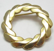 Estate Elegant Shiny Coventry Signed Gold Toned Round Wreath Brooch Pin ... - $17.81