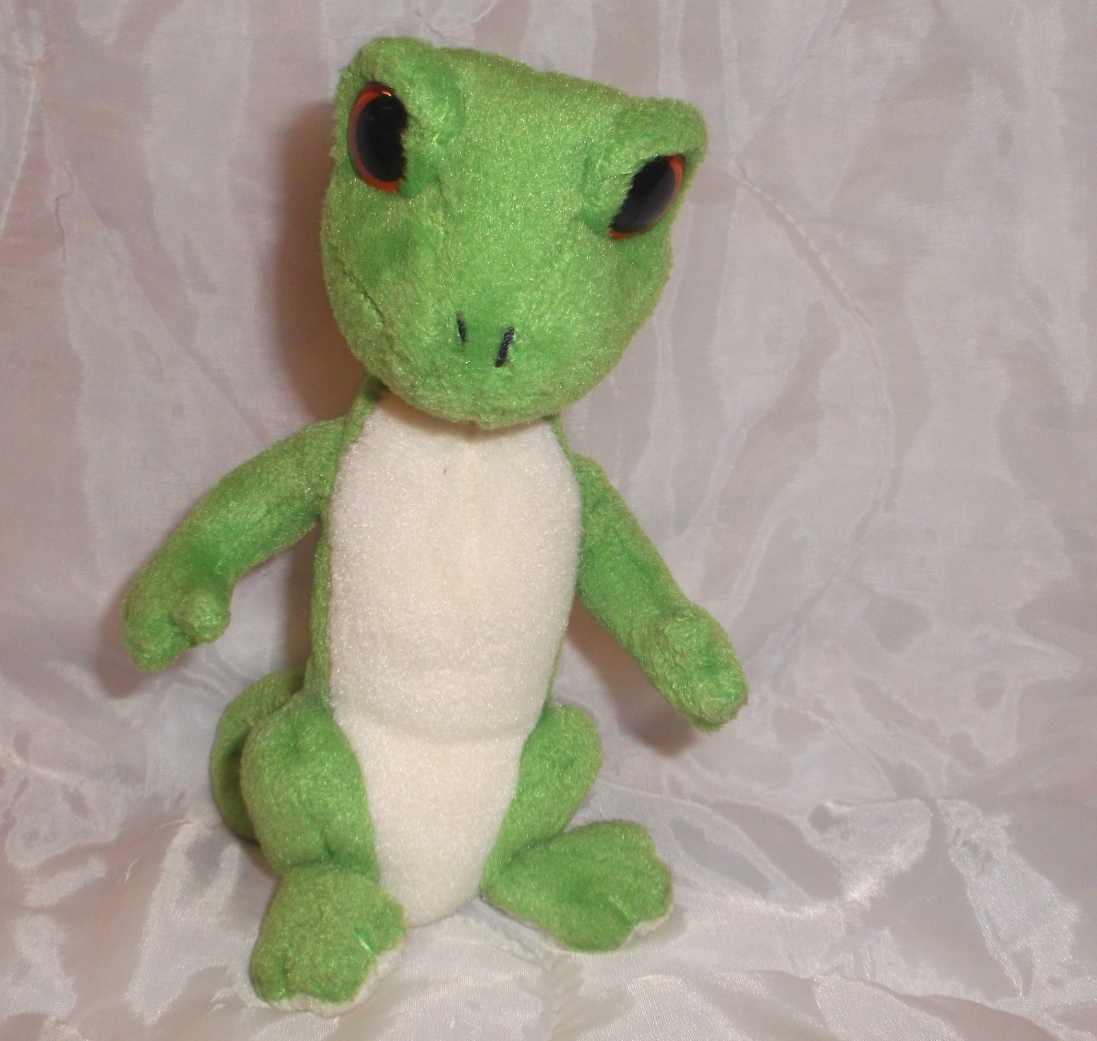 "Primary image for Ty Beanie Baby Gus Gecko Lizard Green Stuffed Plush Big Red Eyes Reptile 7"" Toy"