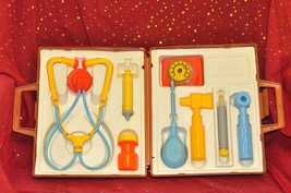 VINTAGE 1977 FISHER PRICE MEDICAL KIT COMPLETE IN CASE 5+, Boys & Girls ... - $51.41