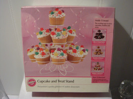 Wilton Cupcake And Treat Stand   Great For Caterer Or Party   Holds 13 Treats - $8.94