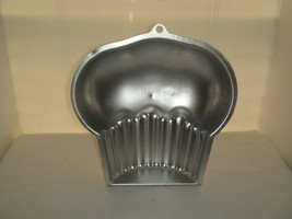"WILTON CUP CAKE PAN UNDATED # N/A ""OF COURSE IT'S A WILTON"" - $14.95"