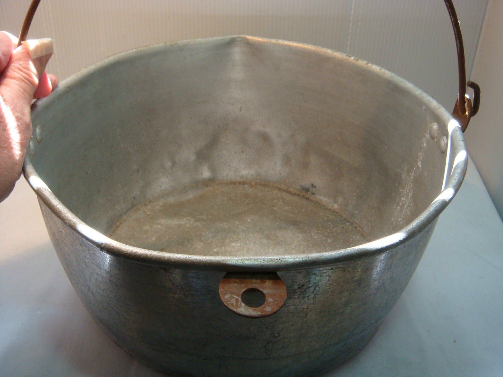 VINTAGE MILKING PAIL - KITCHEN PAN - ALUMINUM - VERY USED & VERY OLD image 3
