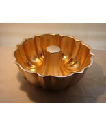 BUNDT CAKE PAN/ WALL DECORE HEAVY ALUMINUM  MANY A BUNDT PASSED BY THESE... - $16.95