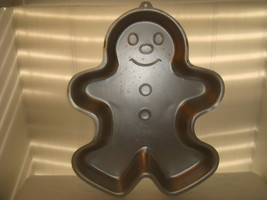 WILTON 1985 GINGERBREAD MAN CAKE PAN ALUMINUM # 2105 - 2072 - $17.95