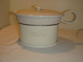 CROCKPOT GRAVY MATE ELECTRIC BRING WARM GRAVY TO TABLE, KEEP IT WARM - $23.95