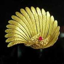 18kt GOLD Gubelin Fur Clip Genuine ruby Vintage pin hallmarked Swiss designer - $3,100.00