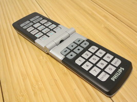 Universal 5 Multi Device Remote Control Philips Flip Open With Batteries - $9.49