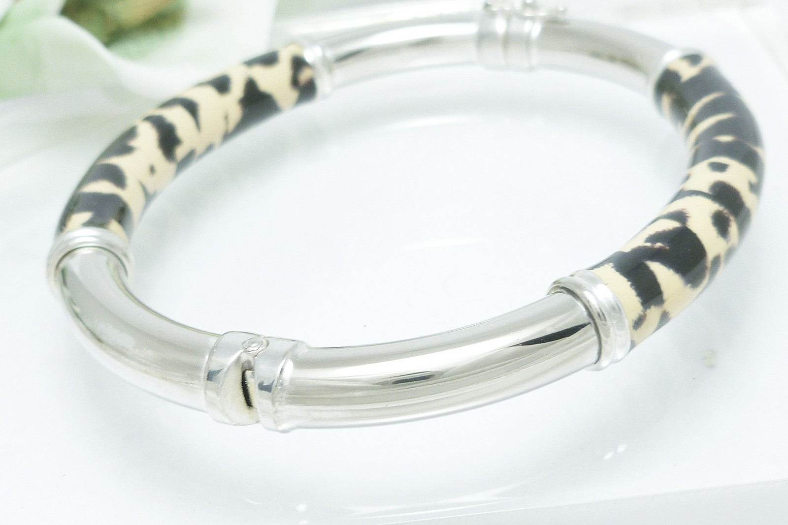 Sterling Enamel Animal Print Hinged Bangle Bracelet Average Wrist Size 7 inch