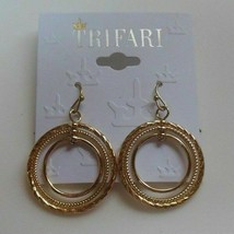 Vintage Trifari Gold-tone Dangle Circle Hook Earrings - $14.85