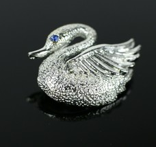 "Vintage Silver Tone Swan Bird Goose Signed "" GERRYS "" Brooch Costume Jew... - $7.66"