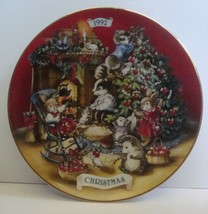 Avon Sharing Christmas with Friends Decorative Plate 1992, NO Box - $8.99