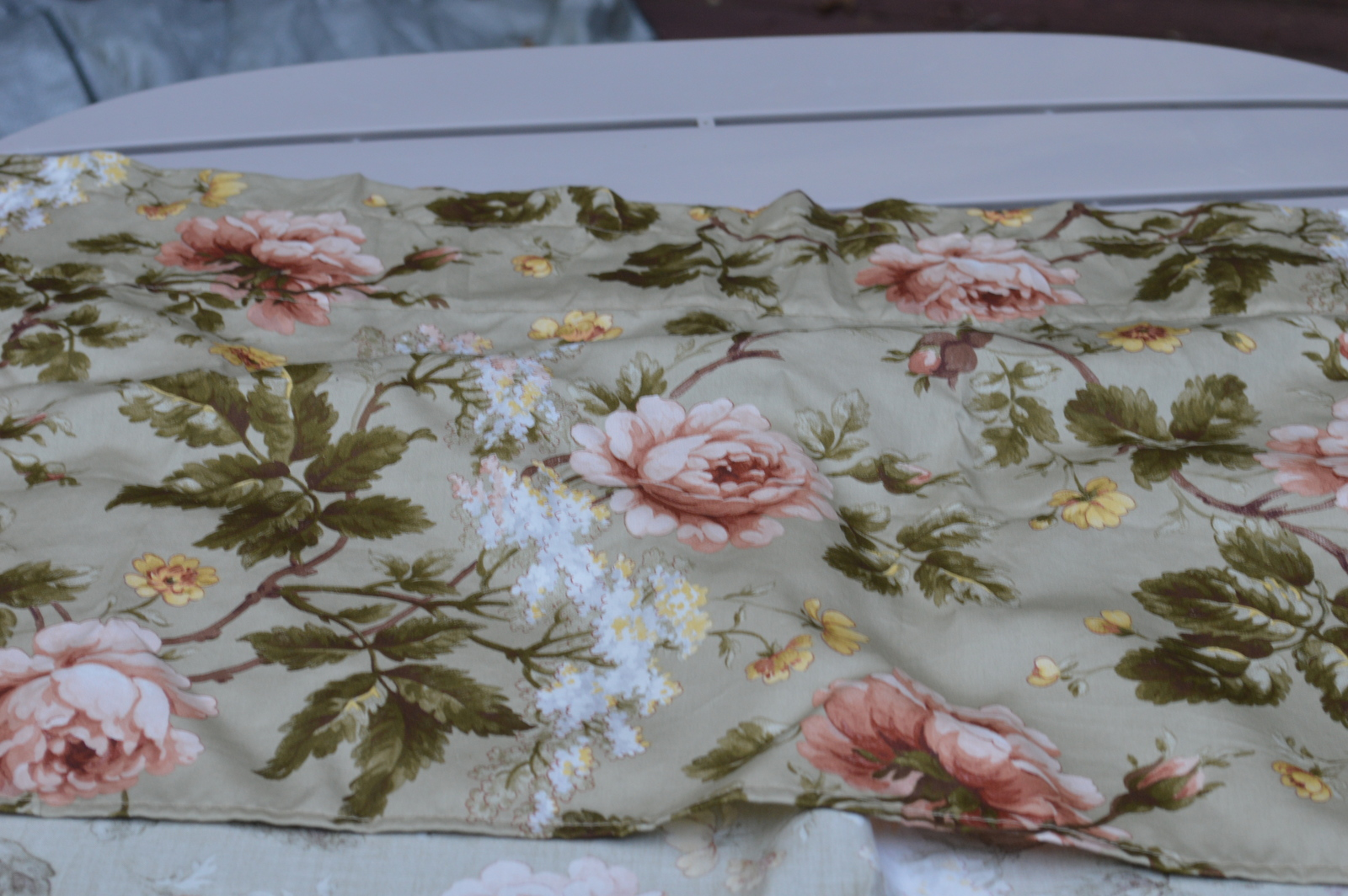 Ralph Lauren, Yorkshire Rose Curtain Valances, Mint Condition