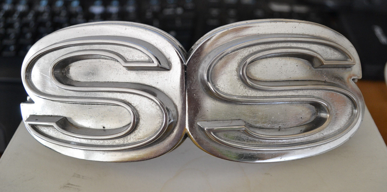 Chevrolet SS Emblem # 6264838 Used - Nice shape. #9580 Chevelle or Similar Grill