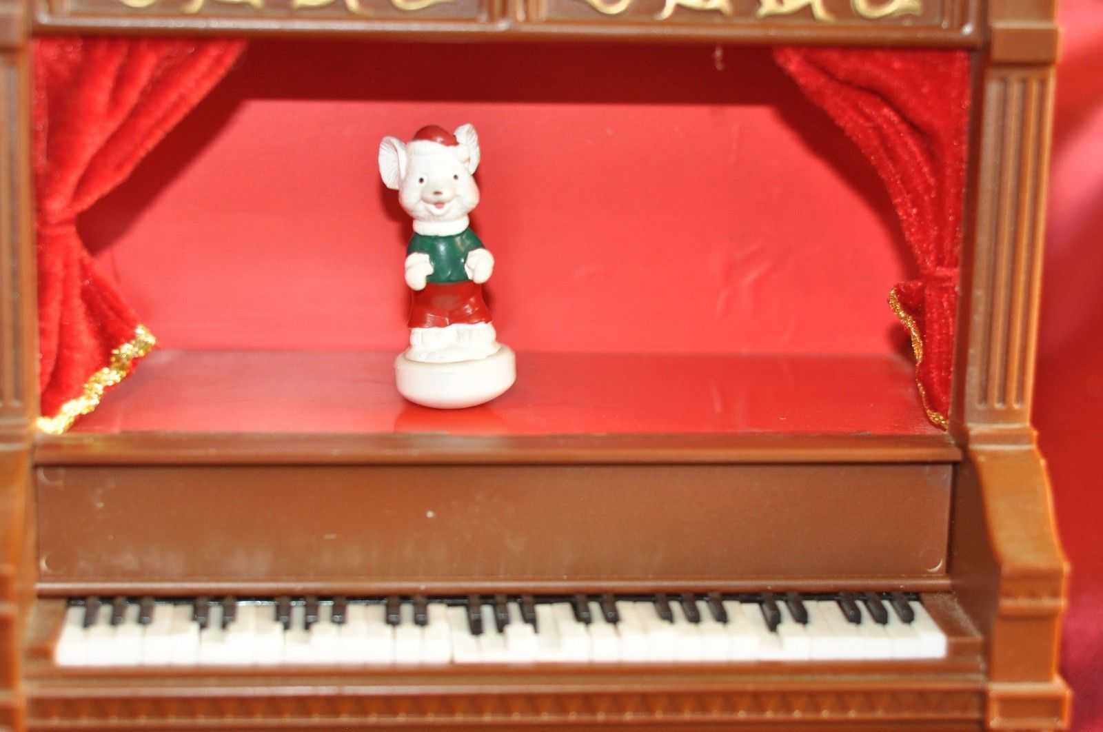 """Animated Piano Christmas Dancing Mouse Battery Operated 12.5"""" Tall"""