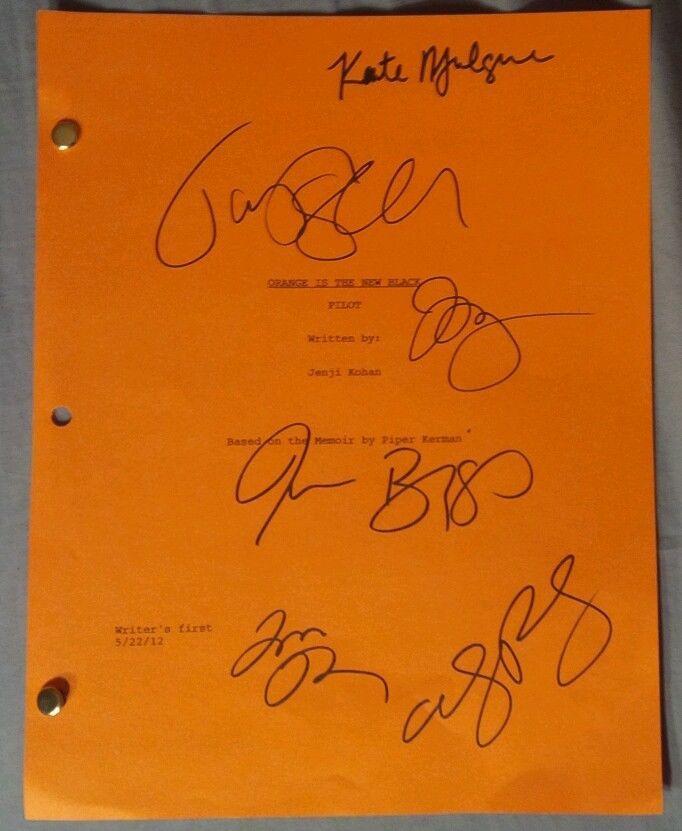 Orange Is The New Black 6 Cast Hand Signed Script COA Schilling Prepon Biggs