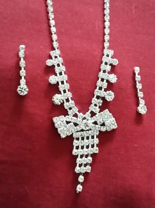 New BRIDAL HOMECOMING》Silver Rhinestone Ribbon Bow Necklace & Earrings Jewerly