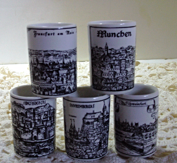 Vintage Altenkunstadt German Porcelain Cups Middle Ages to Renaissance Pen and I