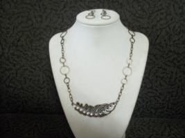Feather necklace thumb200