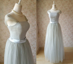 Elegant Gray Cap Sleeve A-line Tulle Bridesmaid Dress Gray Wedding Tutu Dress